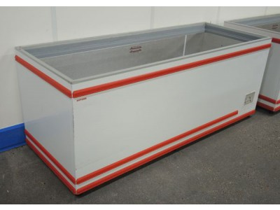 AHT Chest Freezer - 710 Litres