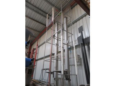 G&B Stainless Box/Carton Elevator