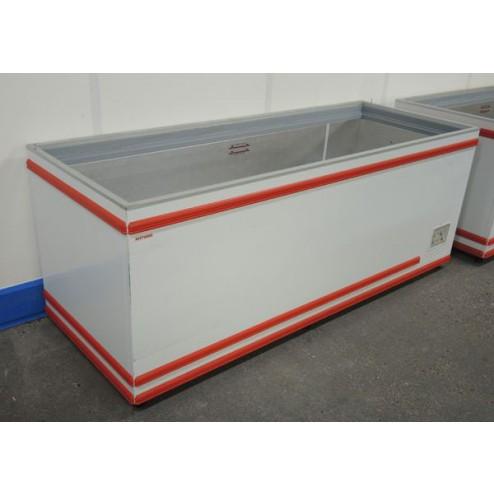 AHT Chest Freezer - 710 Litres