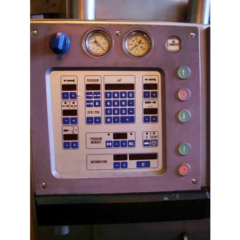 Handtmann VF200 for filling, portioning and linking