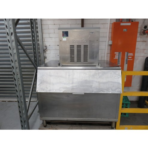 CastelMAC - Icematic F200 Flaked Ice Machine