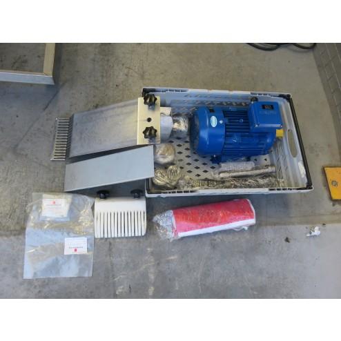 KT FS-19 Strip Cutter with Conveyor