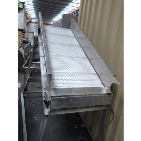 Powered Incline White Cleated Conveyor
